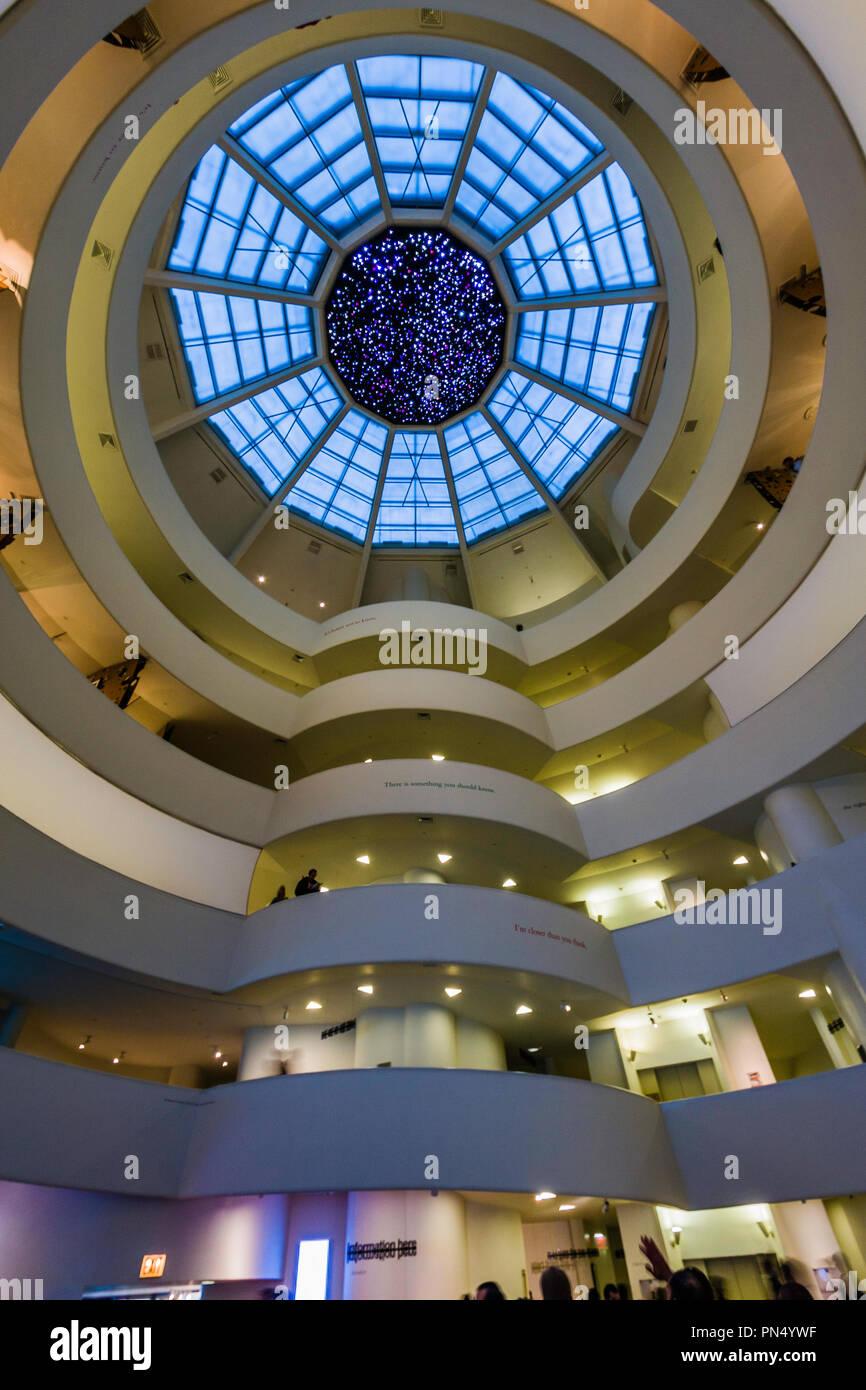 Solomon R. Guggenheim Museum Manhattan _ New York, New York, USA Stock Photo