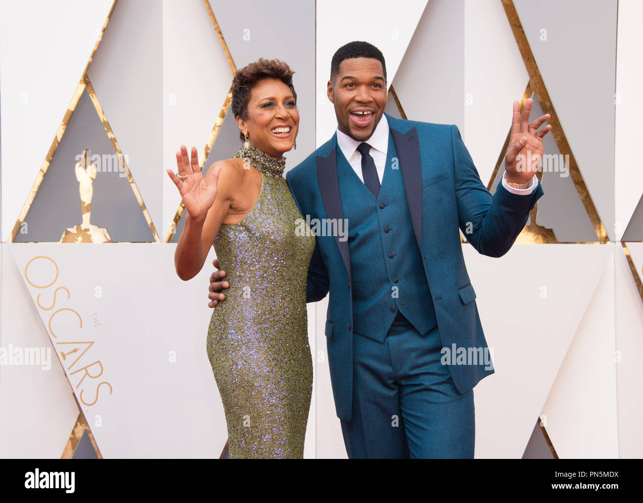 TV personalities Robin Roberts and Michael Strahan arrive at The 88th Oscars® at the Dolby® Theatre in Hollywood, CA on Sunday, February 28, 2016.  File Reference # 32854_057THA  For Editorial Use Only -  All Rights Reserved - Stock Image