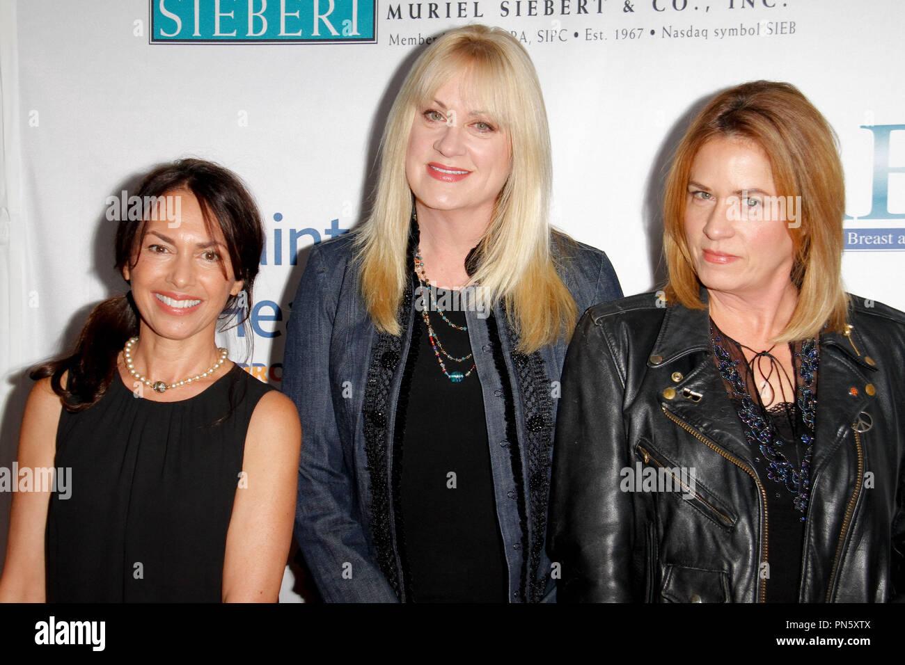 1c9d37d037ec0 Susanna Hoffs, Debbi Peterson, Vicki Peterson, (The Bangles) at the ...