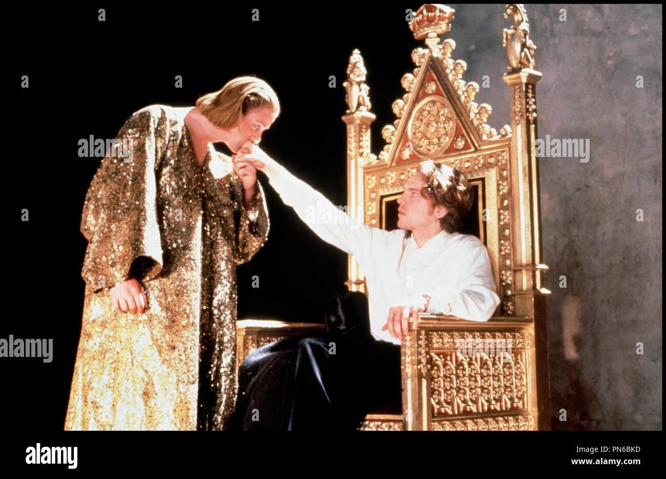 Prod DB © Working Title / DR EDWARD II (EDWARD II) de Derek Jarman 1991 GB avec Steve Waddington et Andrew Tiernan baise-main, altesse royale, homosexualité, majesté, roi, ambitieux, trone d'après la pièce de Christopher Marlowe - Stock Image