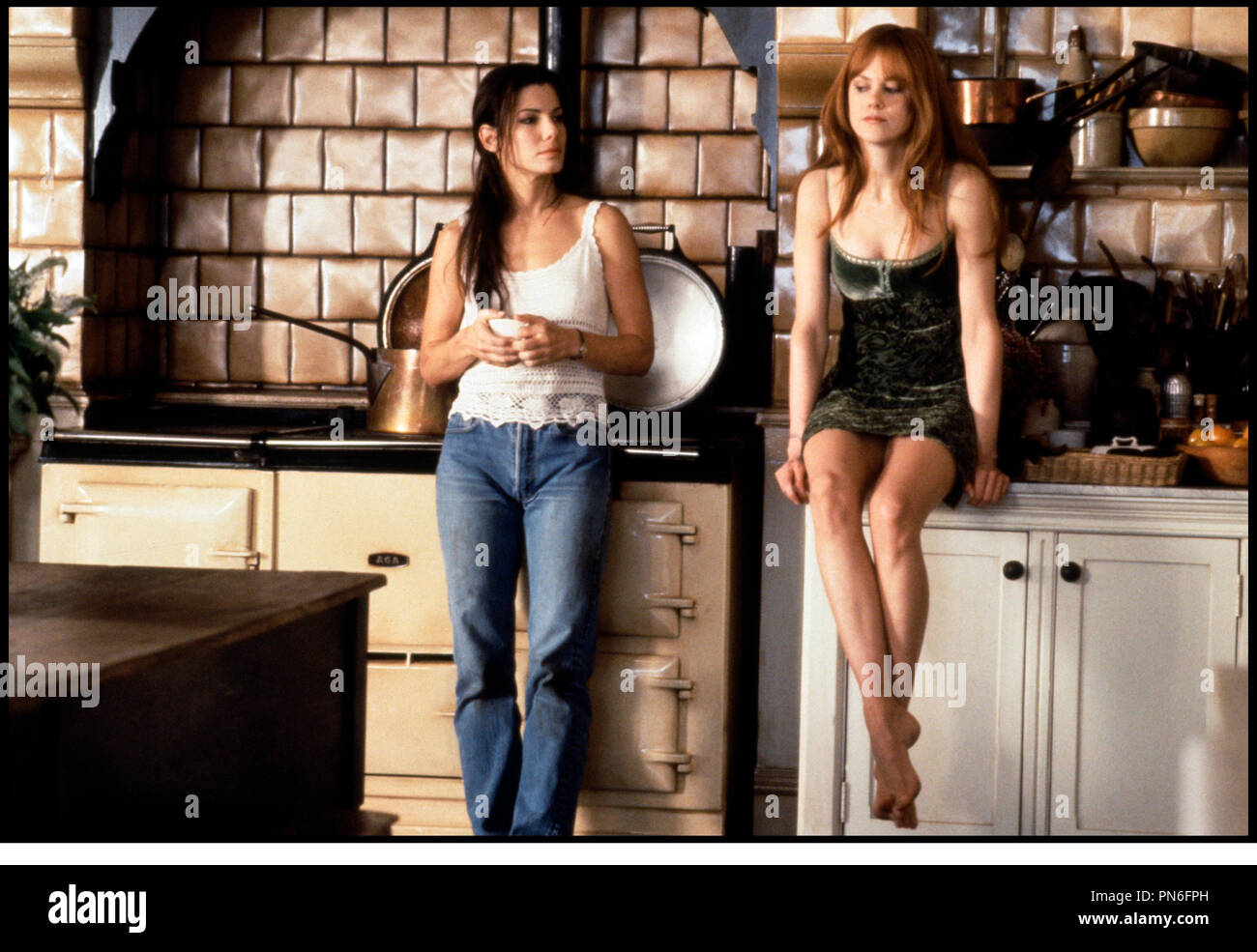 Prod DB © Village Roadshow-Warner Bros / DR LES ENSORCELEUSES (PRACTICAL MAGIC) de Griffin Dunne 1998 USA avec Sandra Bullock et Nicole Kidman cuisine d'apres le roman de Alice Hoffman - Stock Image