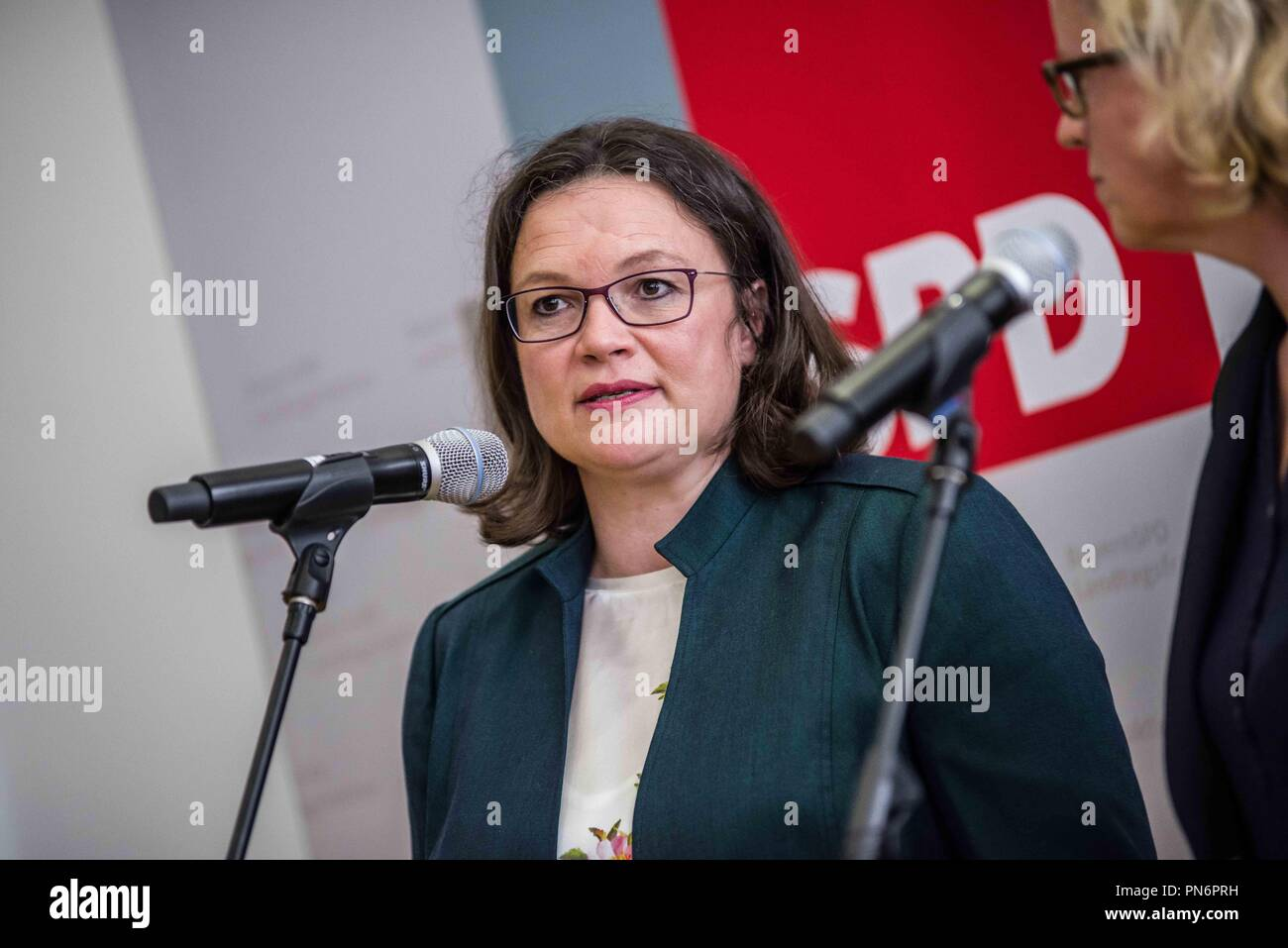 Munich, Bavaria, Germany. 20th Sep, 2018. ANDREA NAHLES and NATASCHA KOHNEN, the heads of the German and Bavarian fractions of the SPD party respectively, met at the Bavarian Landtag (Parliament) Thursday morning to discuss numerous issues, including the recent promotion of the embattled and allegedly compromised Hans George Maassen (Maaßen) of the Verfassungsschutz to Staatssekretaer. Despite the alleged giving out of unpublished information to the right-extreme AfD party, consulting with them, and resisting numerous calls to put the party under secret service monitoring, he was prote - Stock Image