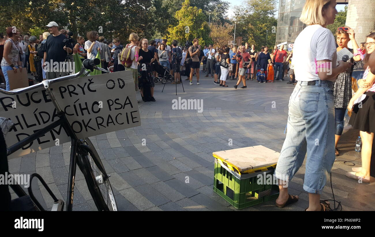Prague, Czech Republic. 20th Sep, 2018. Gathering in support of accepting of refugees titled 'Let Us Accept Syrian Children: Against Policy of Cynicism' organised by RFK feminist group was held in Prague, Czech Republic, on September 20, 2018. Event symbolically takes place in front of the Main Railway Station, from where Jewish children saved by Sir Nicholas Winton left for England in 1939. Credit: Anna Charvatova/CTK Photo/Alamy Live News - Stock Image
