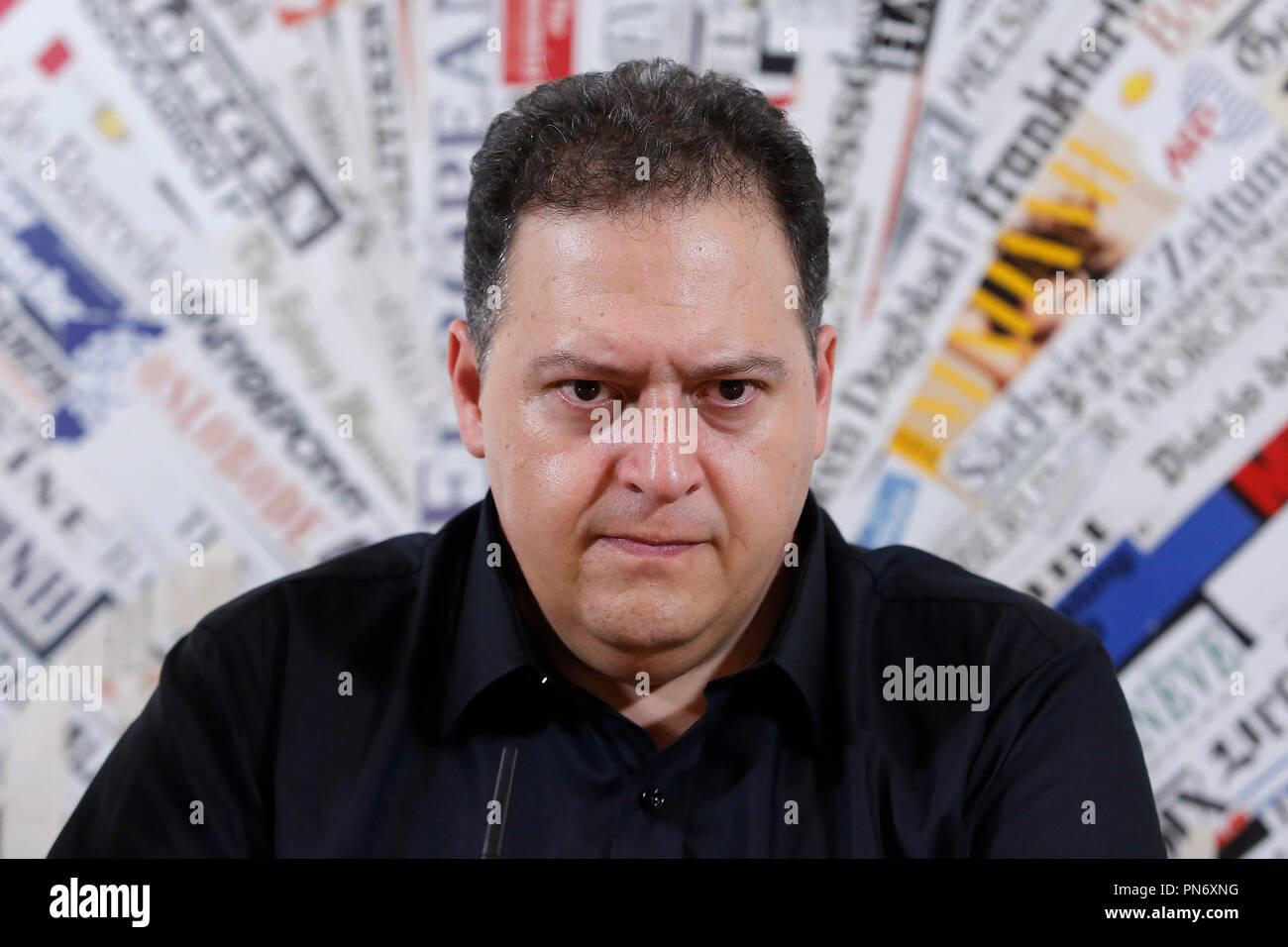 Sebastian Marroquin, Juan Pablo Escobar Roma 20/09/2018. Stampa Estera. Presentazione della conferenza spettacolo del figlio del più' famoso trafficante di droga delle storia, Pablo Escobar. Lo spettacolo racconterà' di suo padre attraverso un monologo e delle foto. Rome September 20th 2018. Presentation of the Conference-Show of Sebastián Marroquín, born Juan Pablo Escobar, son of the best known drug trafficker of history, Pablo Escobar, 'the king of cocaine'.  Foto Samantha Zucchi Insidefoto Stock Photo