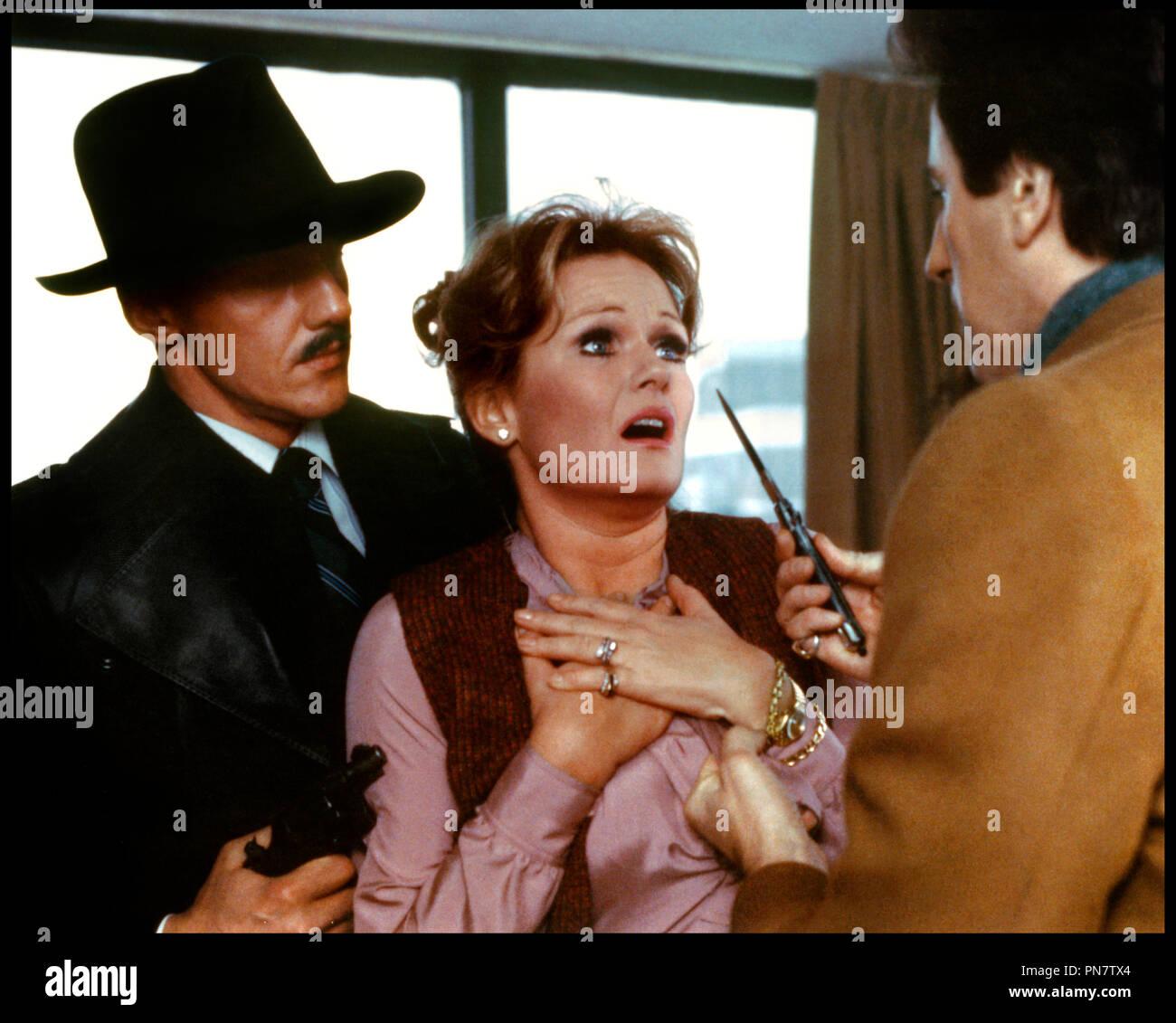 Prod DB © Films RSL / DR LES ESPIONS DANS LA VILLE (AGENCY) de George Kaczender 1980 CAN. avec Valerie Perrine agression, couteau a cran d'arret, viol, menacer d'apres le roman de Paul Gottlieb - Stock Image