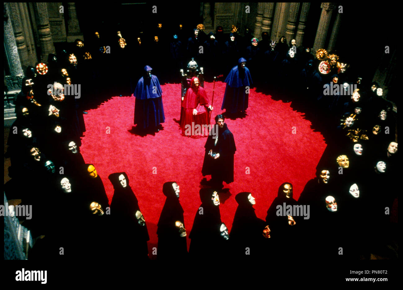 Prod DB © Warner - Hobby Films - Pole Star / DR EYES WIDE SHUT de Stanley Kubrick 1999 USA / GB avec Tom Cruise secte d'apres le roman de Arthur Schnitzler 'TRAUMNOVELLE' - Stock Image