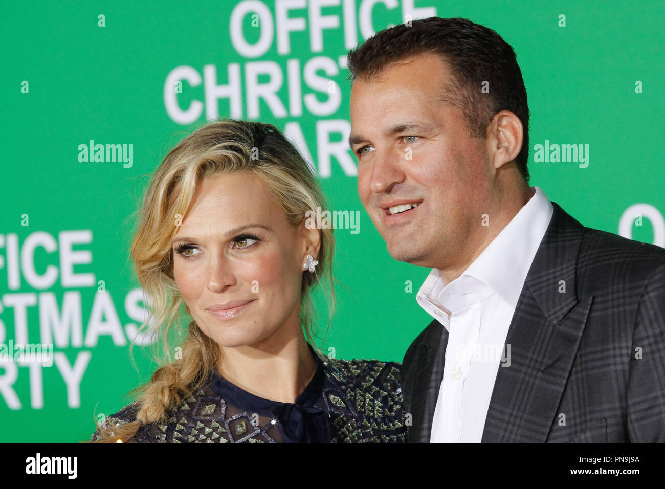 719b27868c691 Molly Sims, Scott Stuber at the premiere of Paramount Pictures' 'Office  Christmas Party