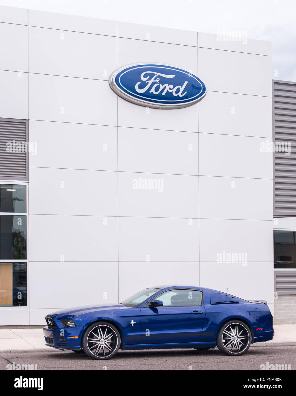 Suburban Ford Ferndale >> Ferndale Mi Usa August 16 2018 A Ford Mustang In Front