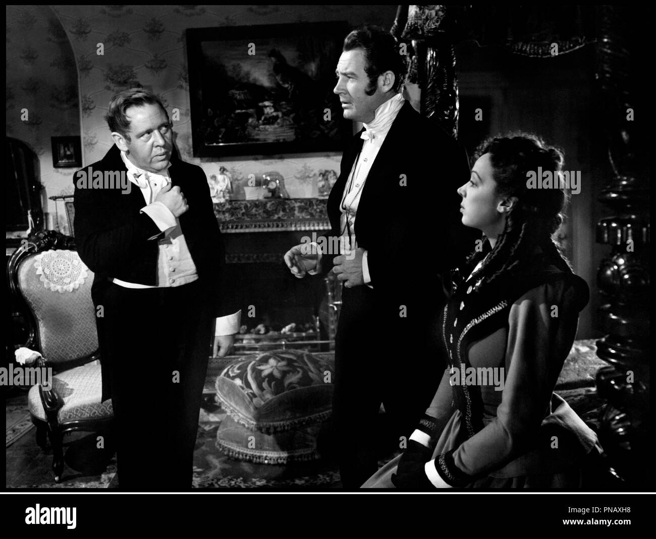 Prod DB © RKO / DR FOREVER AND A DAY (FOREVER AND A DAY) film a sketches de Rene Clair, Edmund Goulding, Cedric Hardwicke, Frank Lloyd, Victor Saville, Robert Stevenson et Herbert Wilcox 1943 USA avec Charles Laughton, Ian Hunter et Ida Lupino - Stock Image