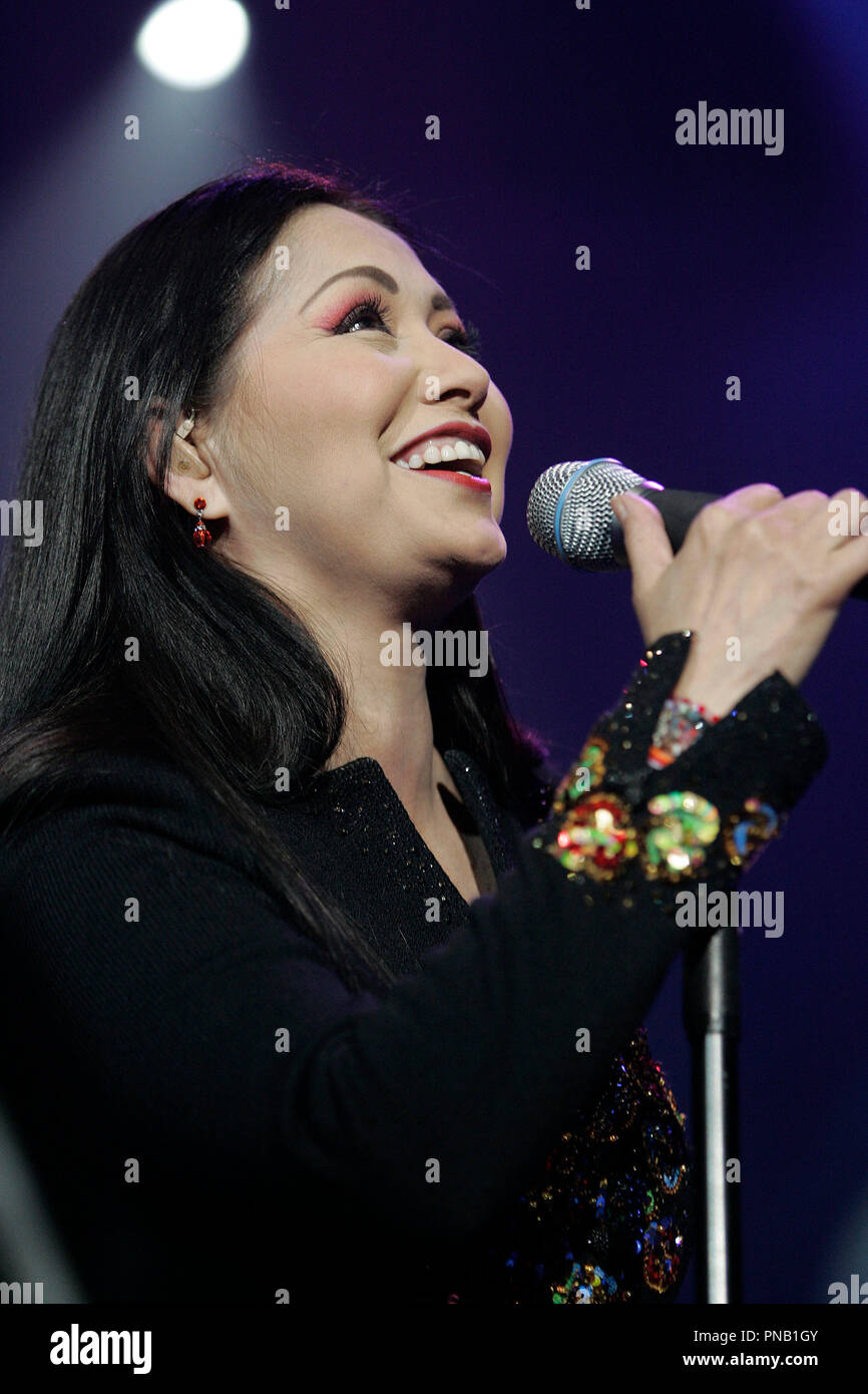 Ana Gabriel High Resolution Stock Photography And Images Alamy