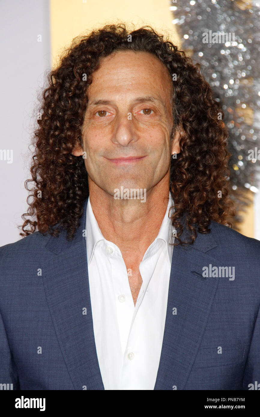 Kenny G Christmas.Kenny G At The Premiere Of Stx Films A Bad Moms Christmas