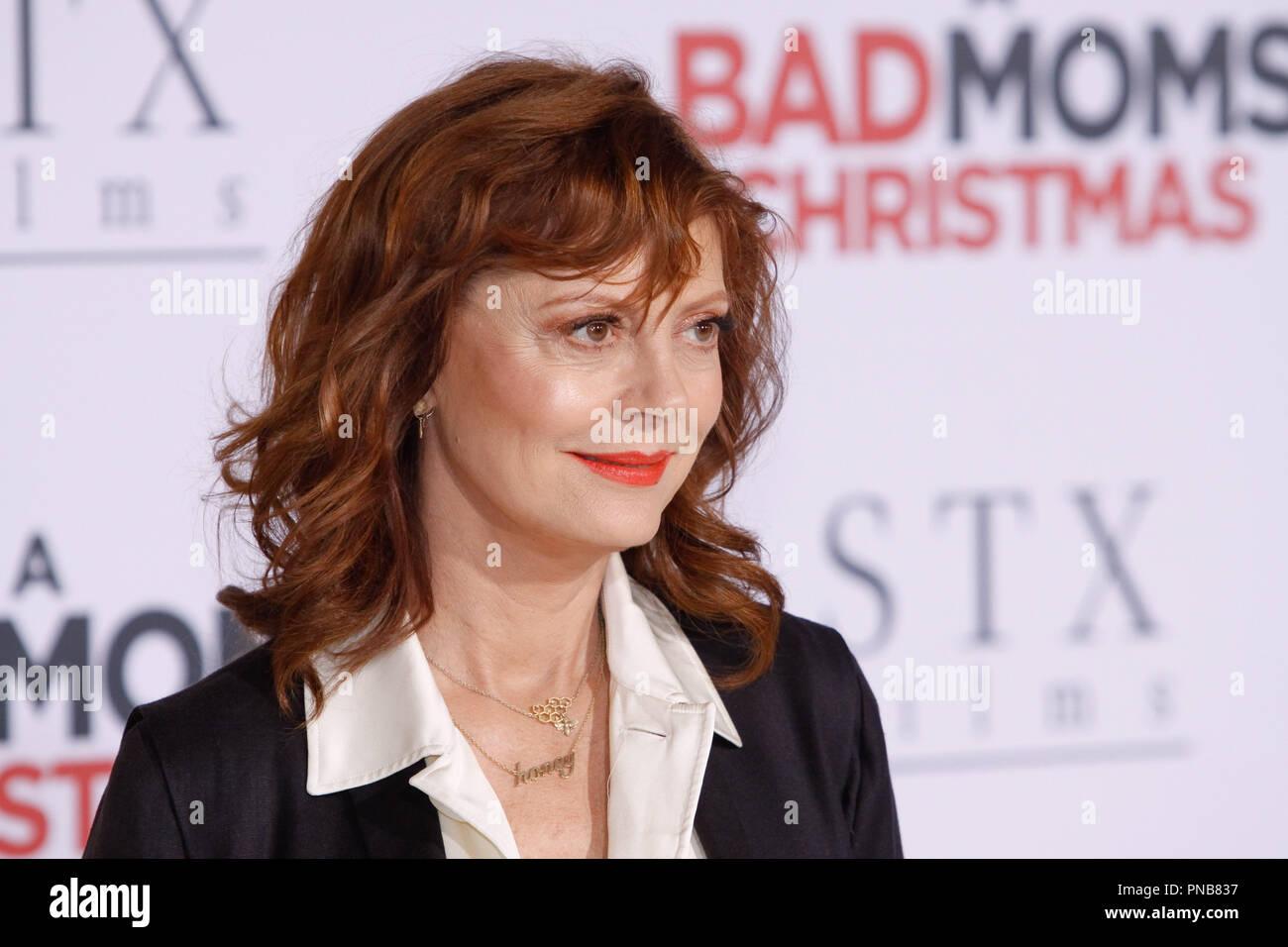 Bad Moms Christmas Susan Sarandon.Susan Sarandon At The Premiere Of Stx Films A Bad Moms