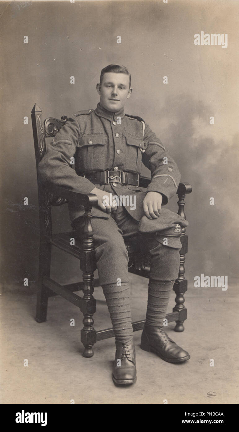 * Vintage Newport, Isle of Wight Photograph of a WW1 Soldier From The Royal Berkshire Regiment - Stock Image