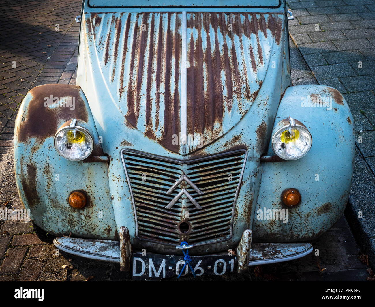 vintage citroen 2cv stock photos  u0026 vintage citroen 2cv stock images