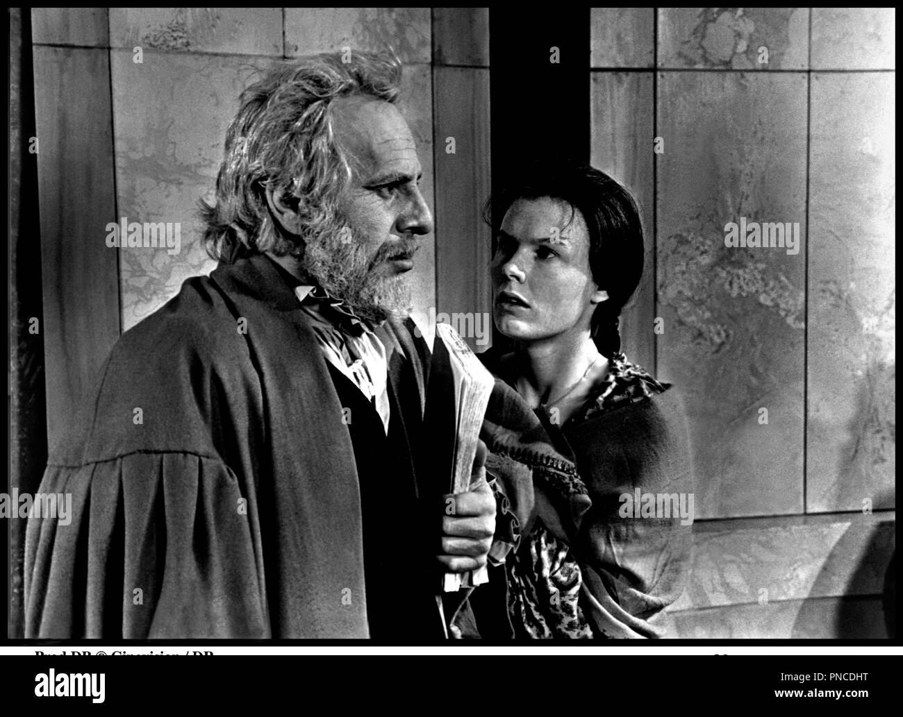 Cedric Hardwicke (1893?964),Torrey DeVitto Porn image Annie Lee (actress),Klara Issova