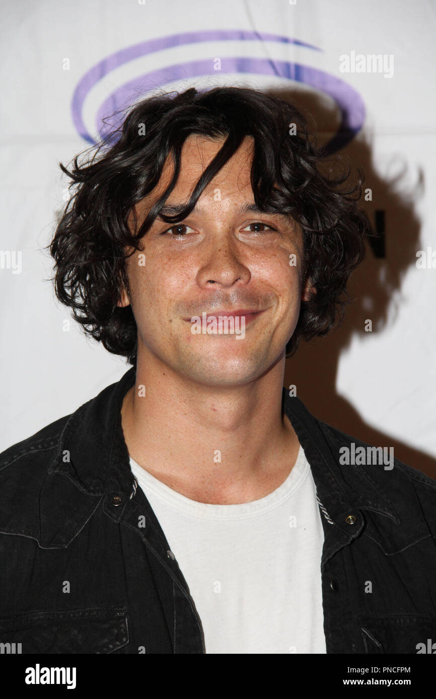 Bob Morley Promoting The 100 At Day 1 Of Wondercon Anaheim 2018
