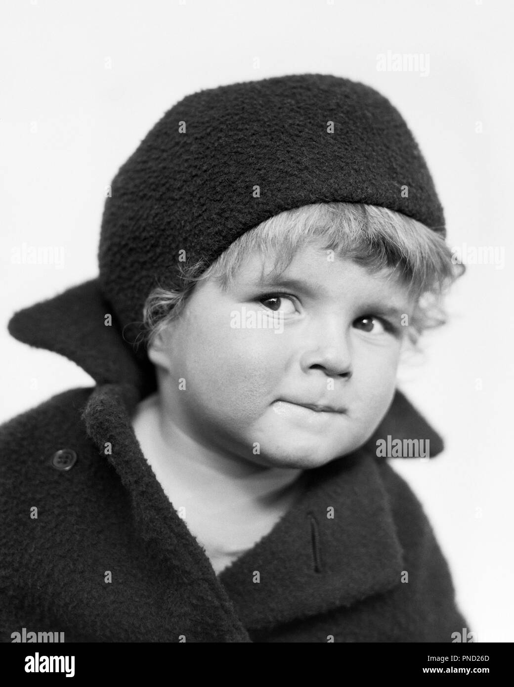 b860ef878268c 1930s CUTE INQUISITIVE BLOND LITTLE GIRL WEARING FRENCH BERET AND WOOL COAT  LOOKING AT CAMERA -