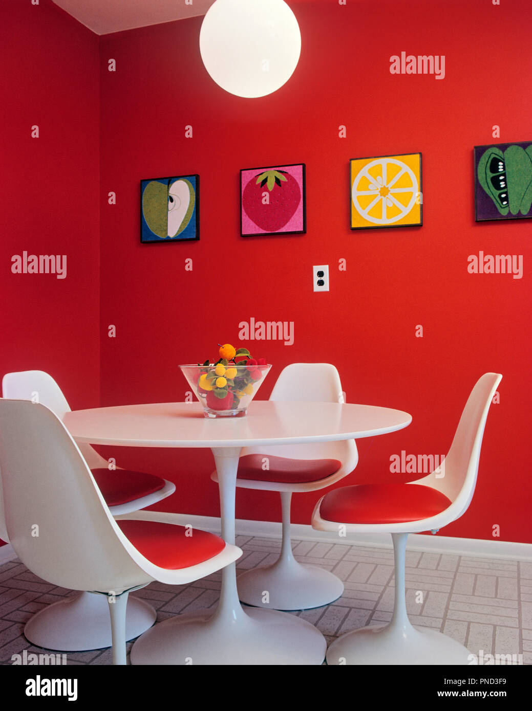 1960s 1970s Mid Century Modern Furniture Style Dinette Set