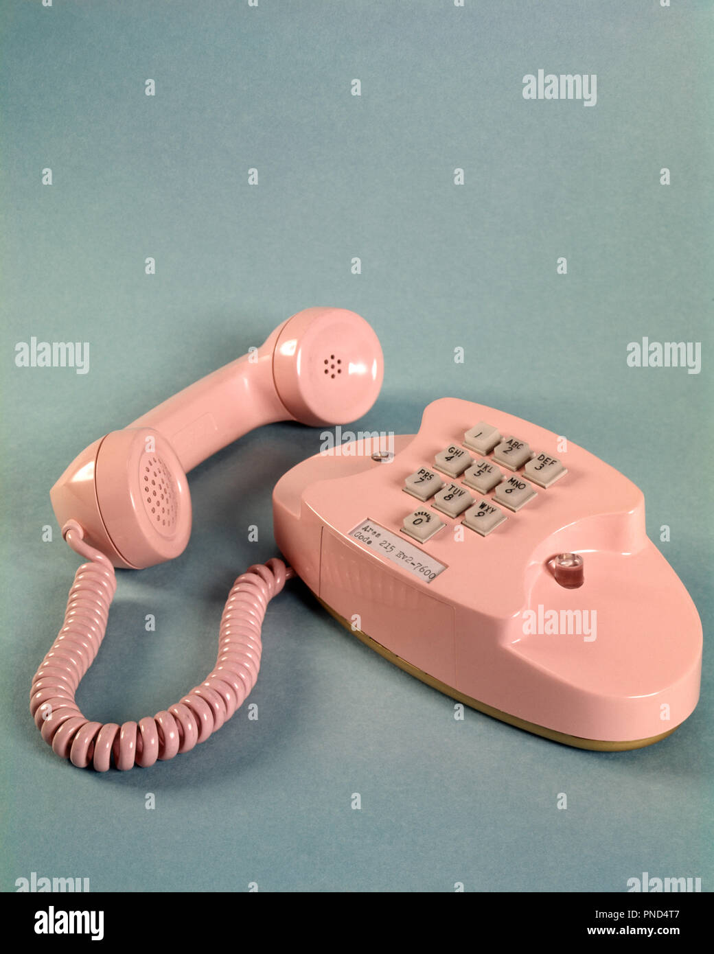 1950s 1960s PINK PRINCESS PHONE RECEIVER OFF THE HOOK INTRODUCED BY AT&T IN 1959  - ks3245 HAR001 HARS PRINCESS - Stock Image