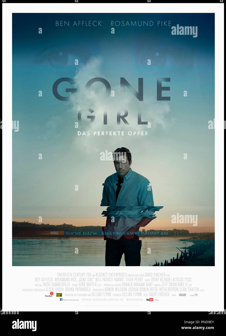 Prod DB © 20th Century Fox - New Regency Pictures - Pacific Standard / DR GONE GIRL de David Fincher 2014 USA affiche allemande avec Ben Affleck, Rosamund Pike d'apres le roman de Gillian Flynn - Stock Image