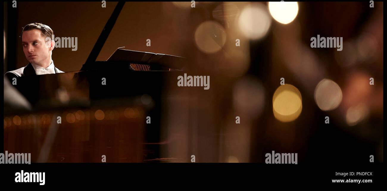 Prod DB © Nostromo Pictures - Antena 3 Films - Telefonica Producciones / DR GRAND PIANO de Eugenio Mira 2013 ESP. avec Elijah Wood musicien, instrument de musique, concertiste - Stock Image