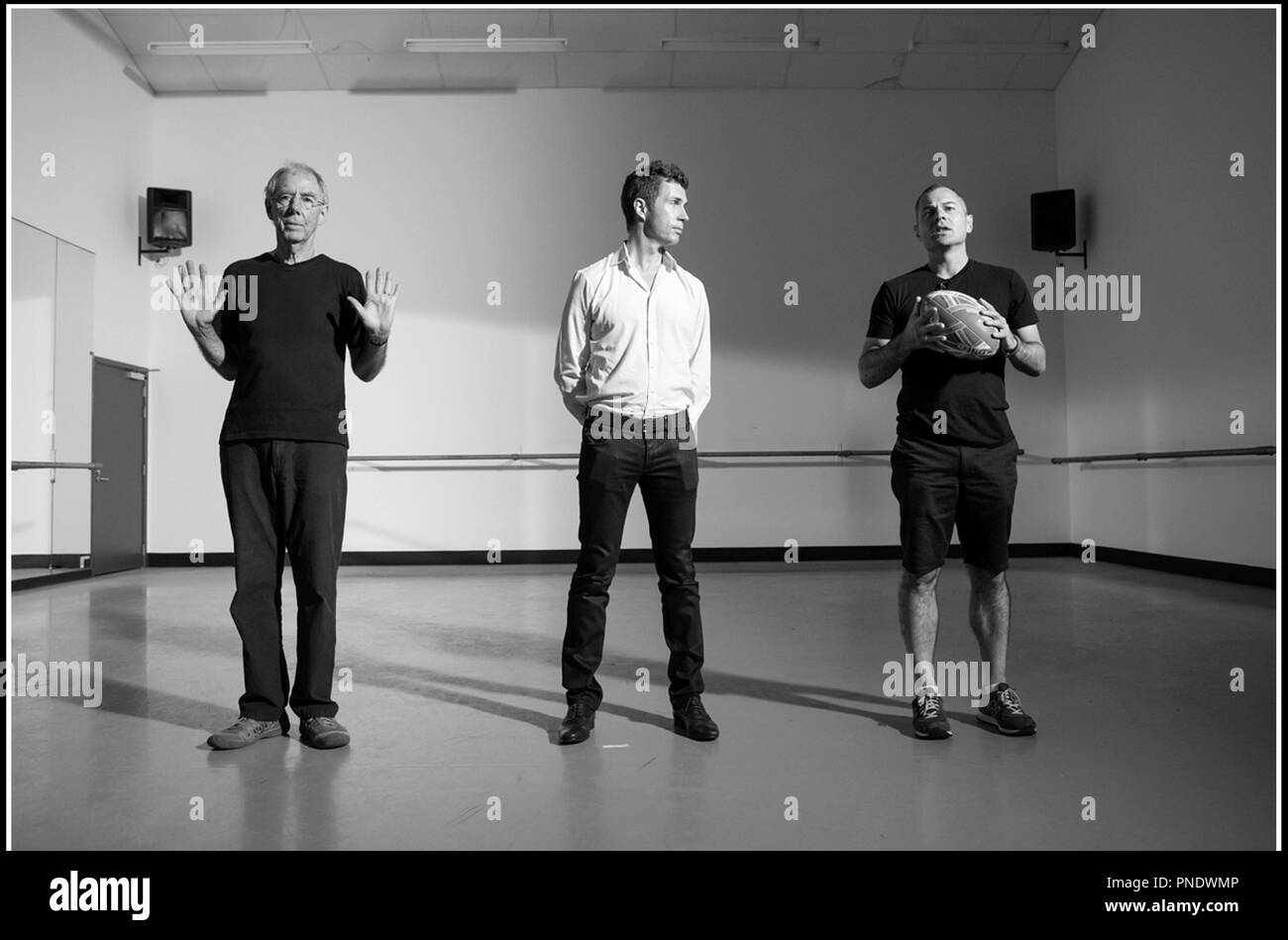 Prod DB © M. Klitscher - General Film Corporation / DR GISELLE de Toa Fraser 2014 NZ avec Leon Narbey (directeur photo), Matthew Metcalfe (producteur) et Toa Fraser sur le tournage - Stock Image