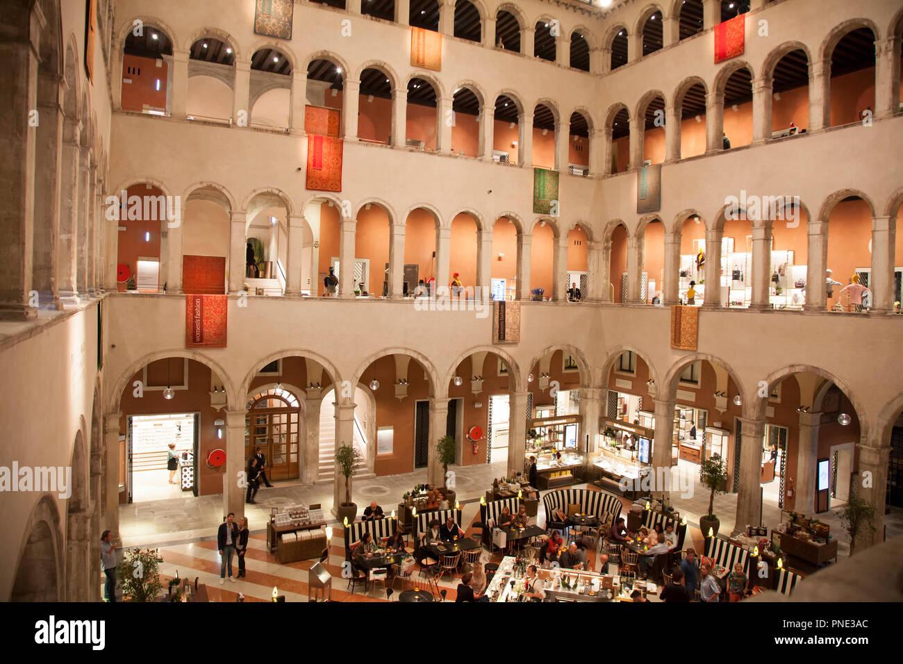 Calle del Fontego dei Tedeschi an upscale mall in Venice Italy - Stock Image