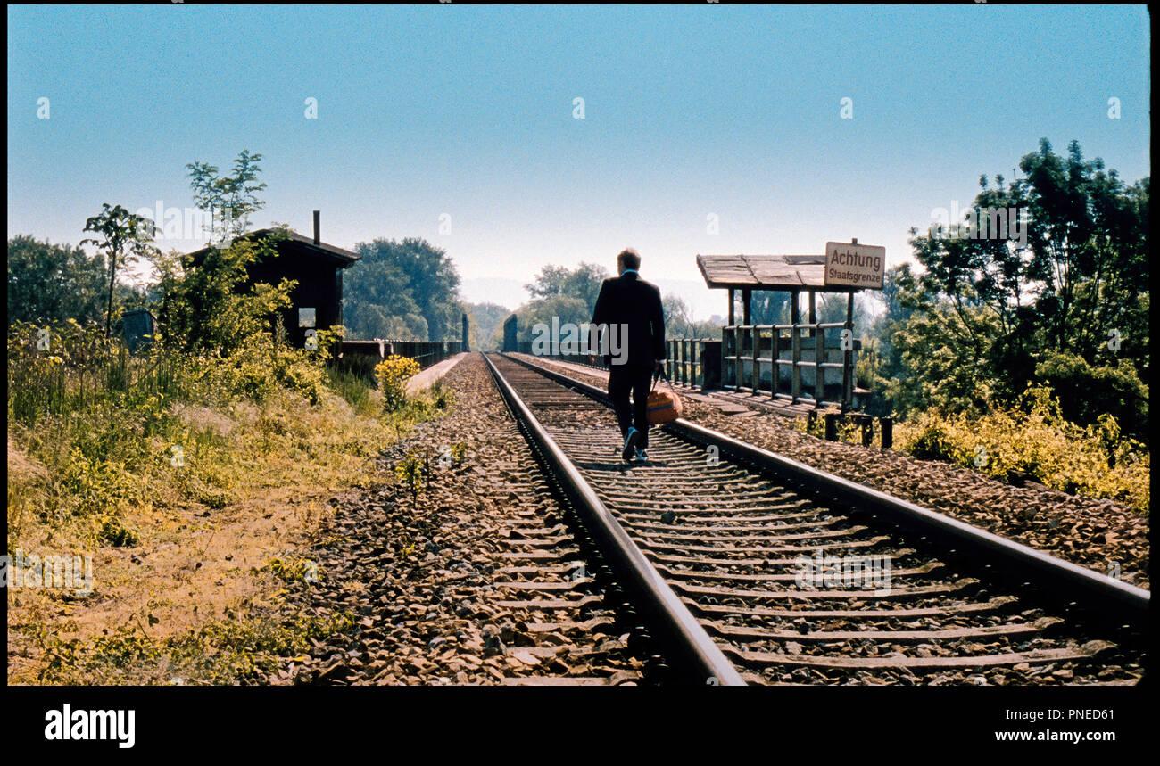 Prod DB ©Prisma Film und Fernsehproduktion GmbH / DR GRENZGANGER de Florian Flicker 2012 AUT. avec Andreas Lust voie de chemin de fer, rails, routard d'apres la piece de Karl Schönherr autre titre: Crossing Boundaries - Stock Image