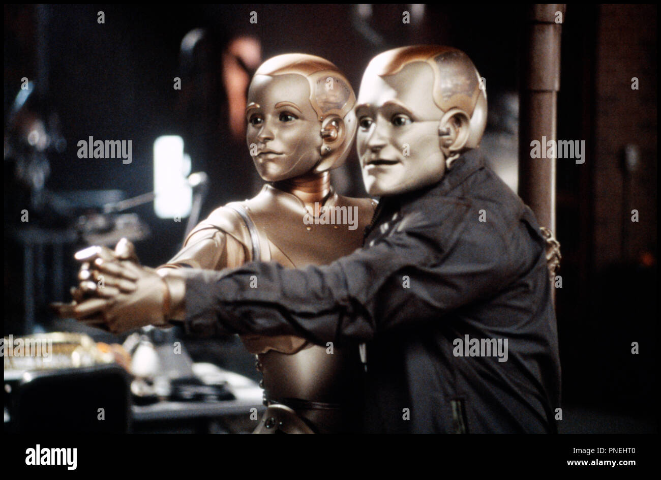 Prod DB © Columbia / DR L'HOMME BICENTENAIRE (BICENTENNIAL MAN) de Chris Columbus 1999 USA avec Robin Williams robots, couple, danse, tango d'apres le roman de Isaac Asimov - Stock Image