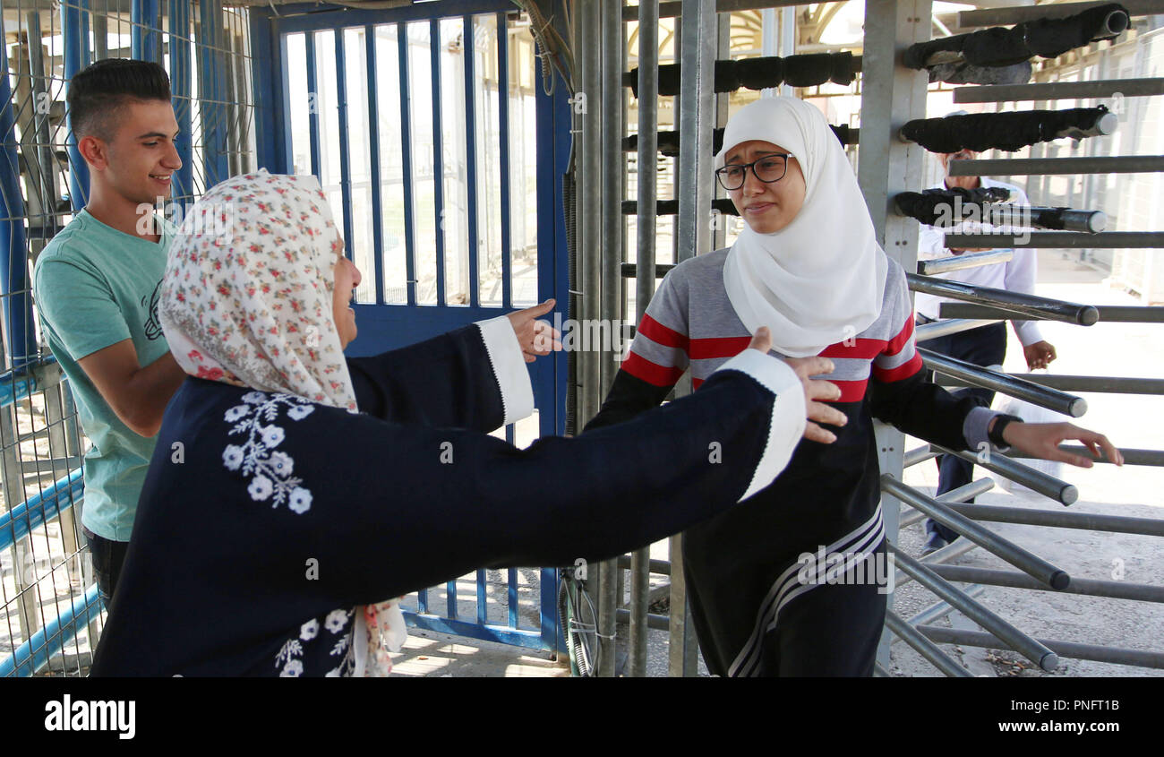 Jenin west bank palestinian territory 20th sep 2018 palestinian palestinian student ola marshoud is greeted by relatives and friends at the israeli checkpoint of al jalameh south of the west bank city of jenin m4hsunfo