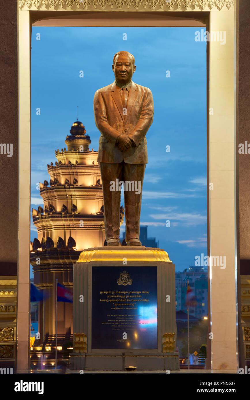 Statue of King Norodom Sihanouk in park in Preach Suramit Boulevard in Phnom Penh, Cambodia. Stock Photo