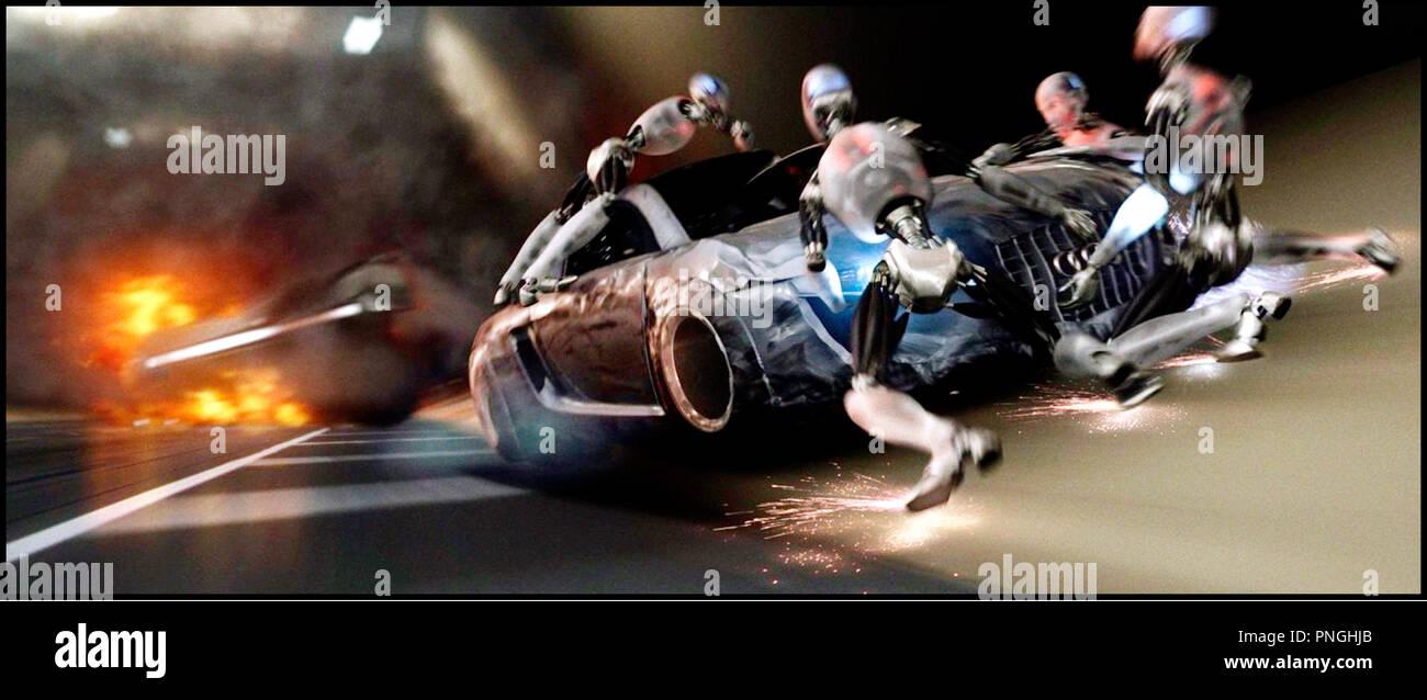 Prod DB © 20th Century Fox - Overbrook Entertainment / DR I, ROBOT (I ROBOT) de Alex Proyas 2004 USA androides, automates, technologie, action, vitesse inspire du livre de Isaac Asimov - Stock Image