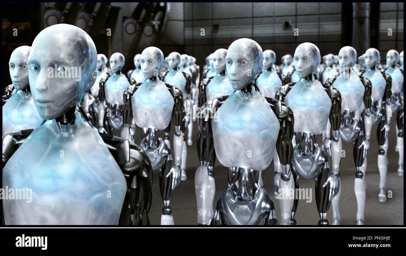 Prod DB © 20th Century Fox - Overbrook Entertainment / DR I, ROBOT (I ROBOT) de Alex Proyas 2004 USA androides, automates, technologie, clonage, armee inspire du livre de Isaac Asimov - Stock Image