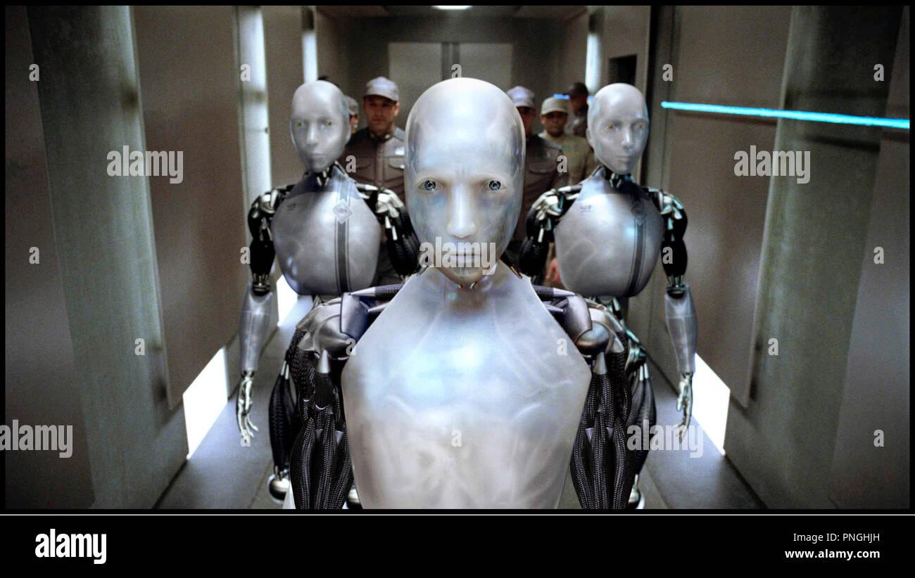 Prod DB © 20th Century Fox - Overbrook Entertainment / DR I, ROBOT (I ROBOT) de Alex Proyas 2004 USA androides, automates, technologie,  inspire du livre de Isaac Asimov - Stock Image