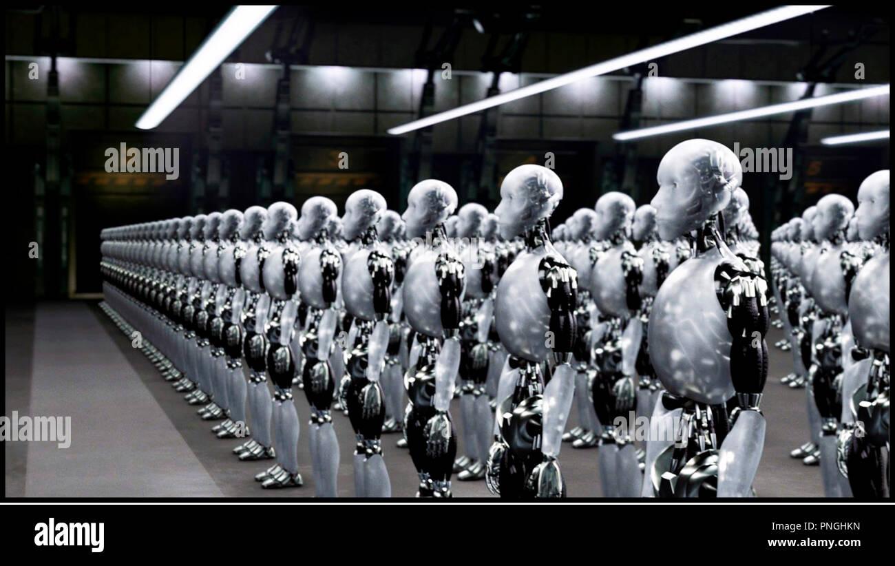 Prod DB © 20th Century Fox - Overbrook Entertainment / DR I, ROBOT (I ROBOT) de Alex Proyas 2004 USA androides, automates, technologie, clonage,  inspire du livre de Isaac Asimov - Stock Image