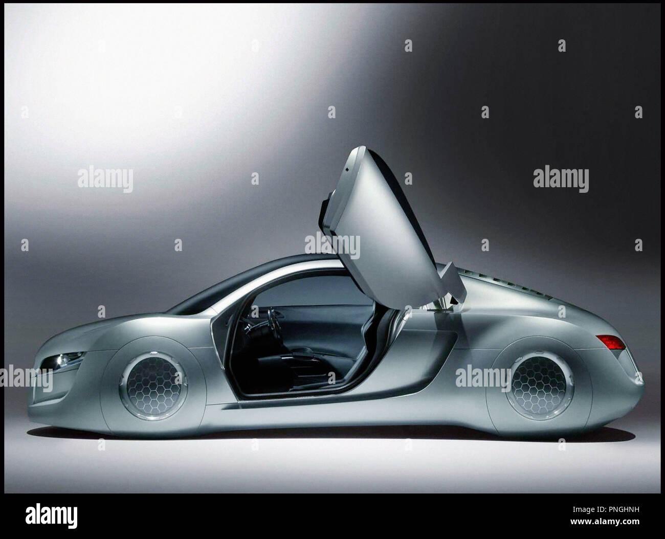 Prod DB © 20th Century Fox - Overbrook Entertainment / DR I, ROBOT (I ROBOT) de Alex Proyas 2004 USA science fiction, anticipation, futuriste, voiture Audi RSQ, concept-car inspire du livre de Isaac Asimov - Stock Image