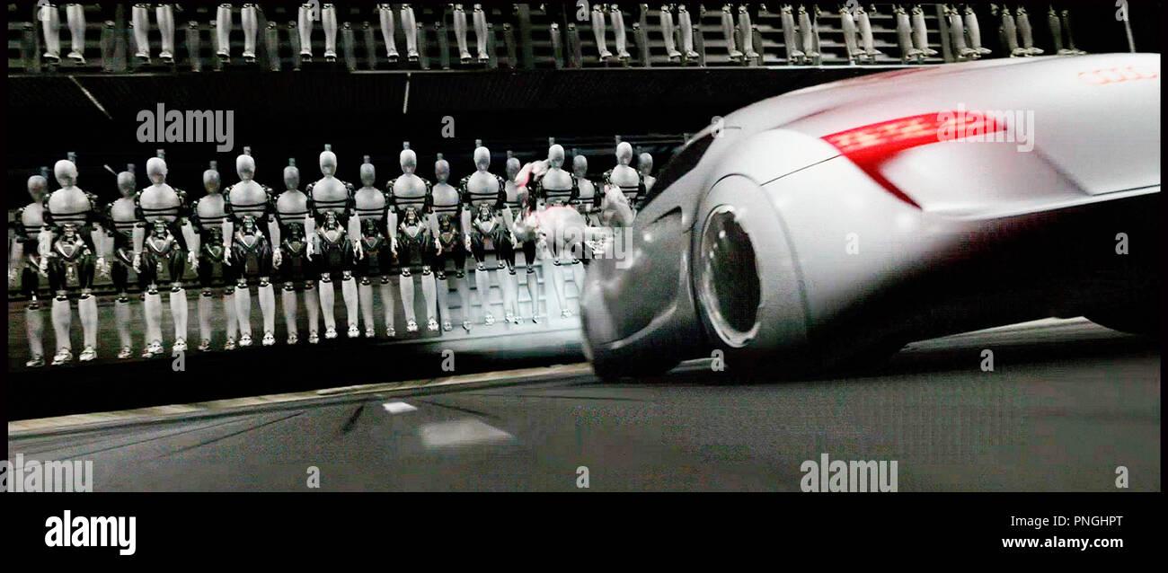Prod DB © 20th Century Fox - Overbrook Entertainment / DR I, ROBOT (I ROBOT) de Alex Proyas 2004 USA science fiction, anticipation, futuriste, androides, voiture Audi RSQ, concept-car inspire du livre de Isaac Asimov - Stock Image