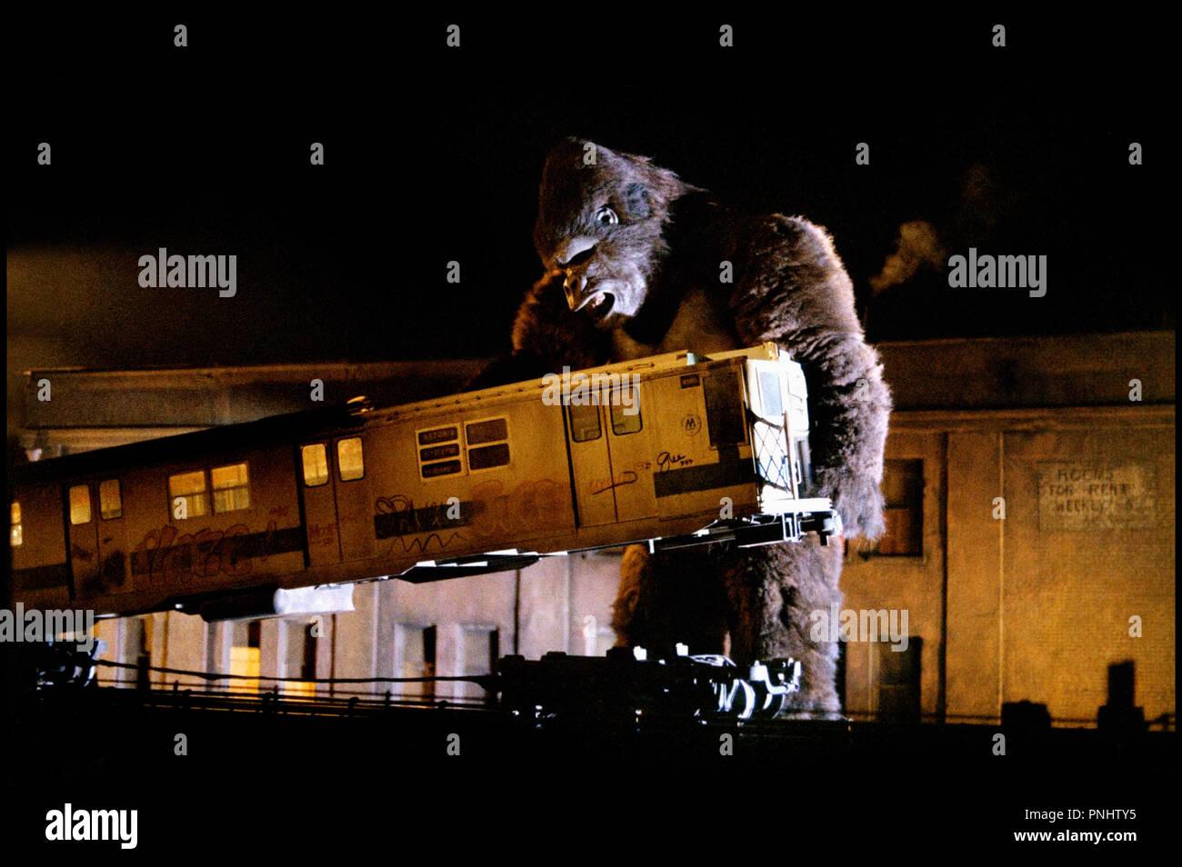Prod DB © De Laurentiis - Paramount Pictures / DR KING KONG de John Guillermin 1976 USA monstre, singe, mutant, gorille geant, metro aerien remake de KING KONG (1933), de Merian C. Cooper et Ernest B. Schoedsack - Stock Image