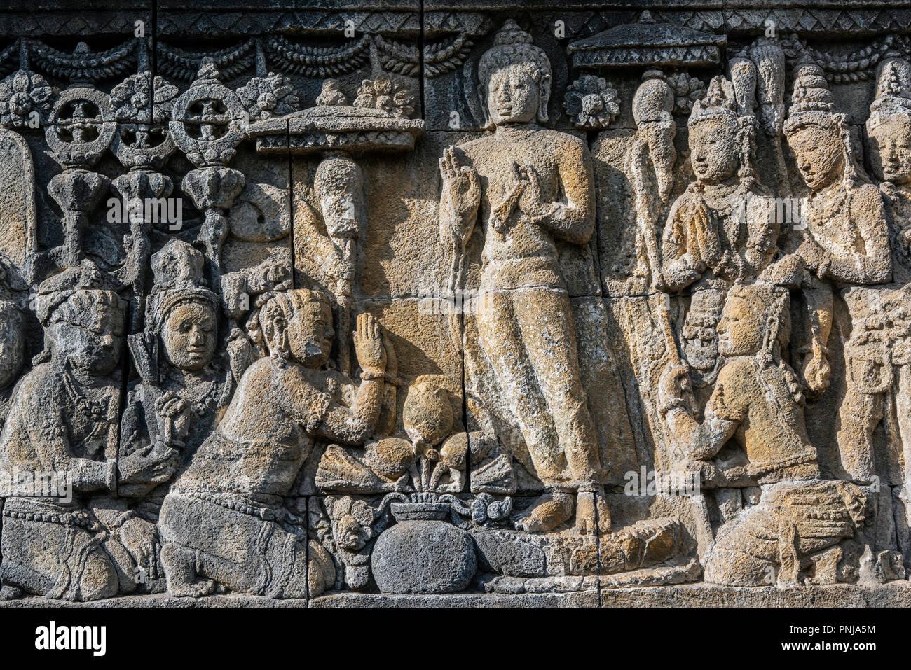 Detail of bas-relief sculptures, Candi Borobudur buddhist temple, Muntilan, Java, Indonesia - Stock Image