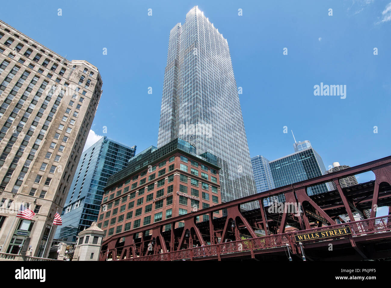Wells Street Bridge, Boston Consulting Tower and Merchandise Mart, Downtown Chicago, IL. - Stock Image