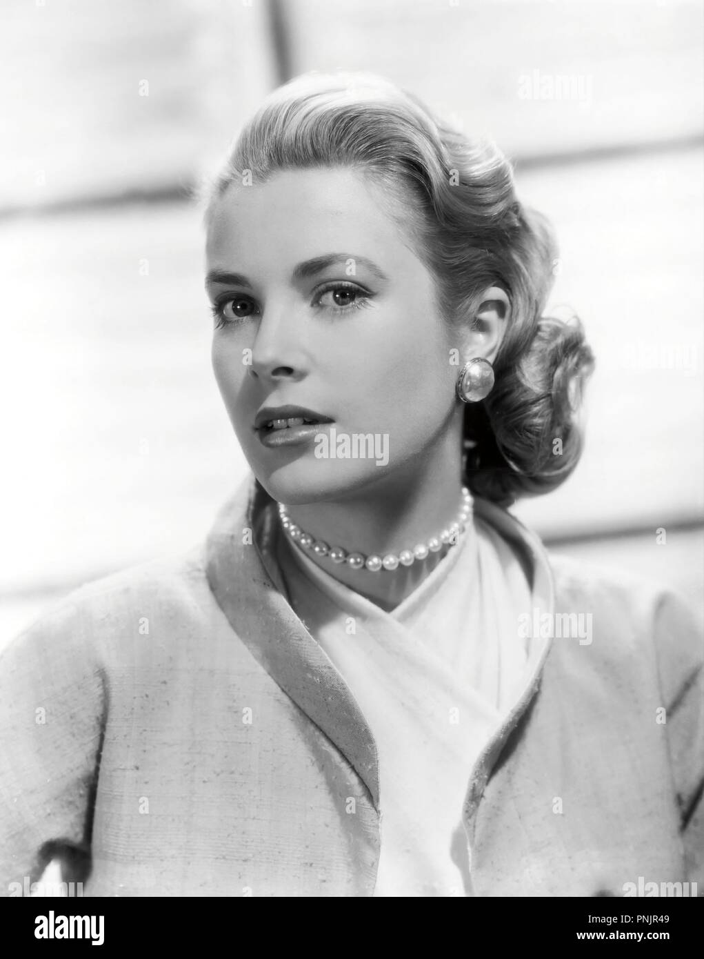 Original film title: REAR WINDOW. English title: REAR WINDOW. Year: 1954. Director: ALFRED HITCHCOCK. Stars: GRACE KELLY. Credit: PARAMOUNT PICTURES / Album - Stock Image