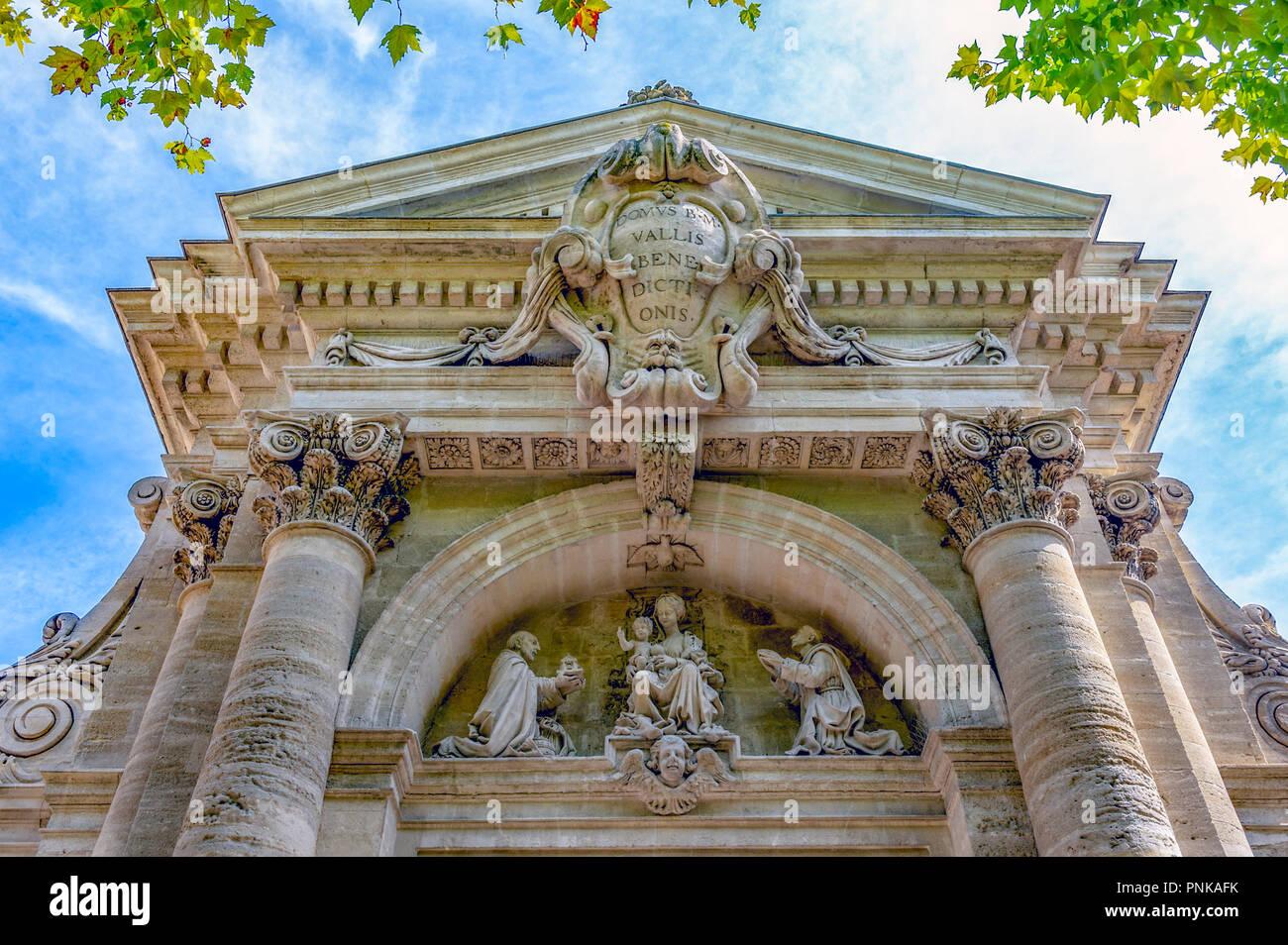 France. Gard (30). Villeneuve-Les-Avignon. Chartreuse Notre-Dame-du-Val-de-Bénédiction. The monumental portal. Detail of the portico - Stock Image