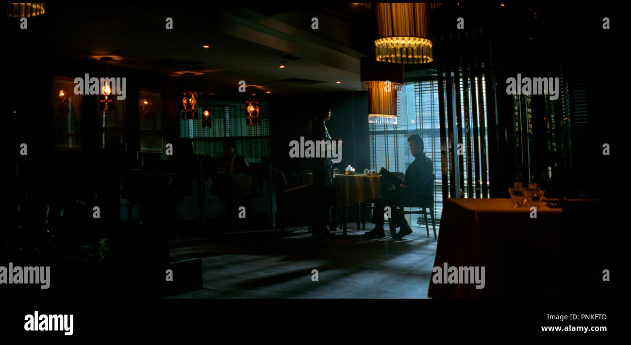 Prod DB © Milky Way Image Company / DR MAD DETECTIVE (SUN TAAM) de Johnny To et Wai Ka-Fai 2007 HK restaurant, club, serveuse, penombre, ambiance autre titre: Godly Detective (Hong Kong: English title) (working title) - Stock Image
