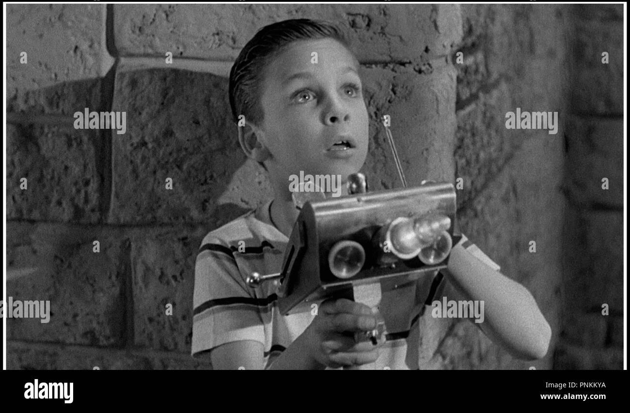 Prod DB © Republic Pictuires / DR LE MAITRE DU MONDE (TOBOR THE GREAT) de Lee Sholem 1954 USA avec Billy Chapin code 6063 - Stock Image