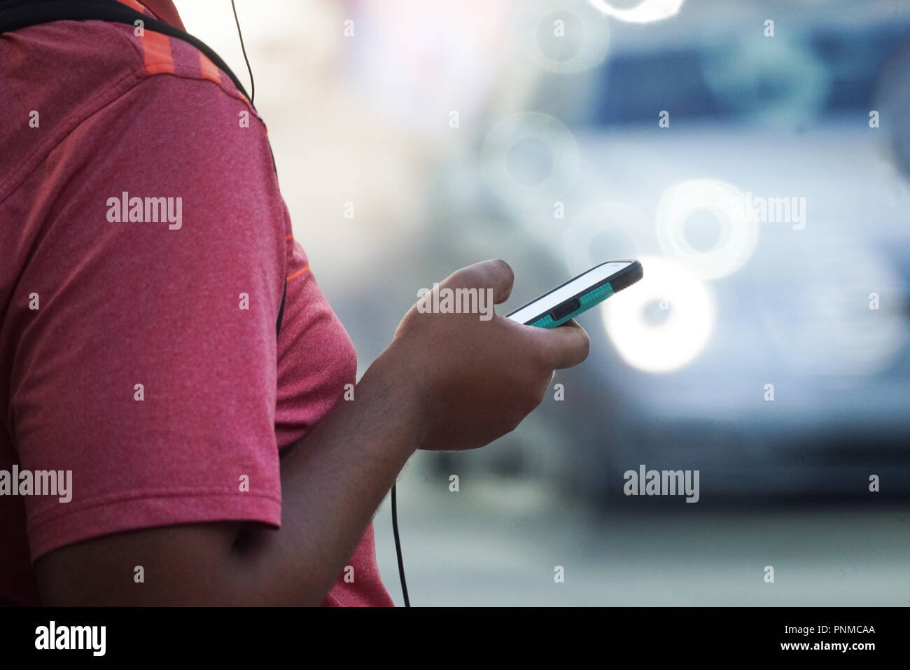 Montreal,Canada 13,September,2018.Close-up of a man holding a cell phone.Credit:Mario Beauregard/Alamy Live News - Stock Image
