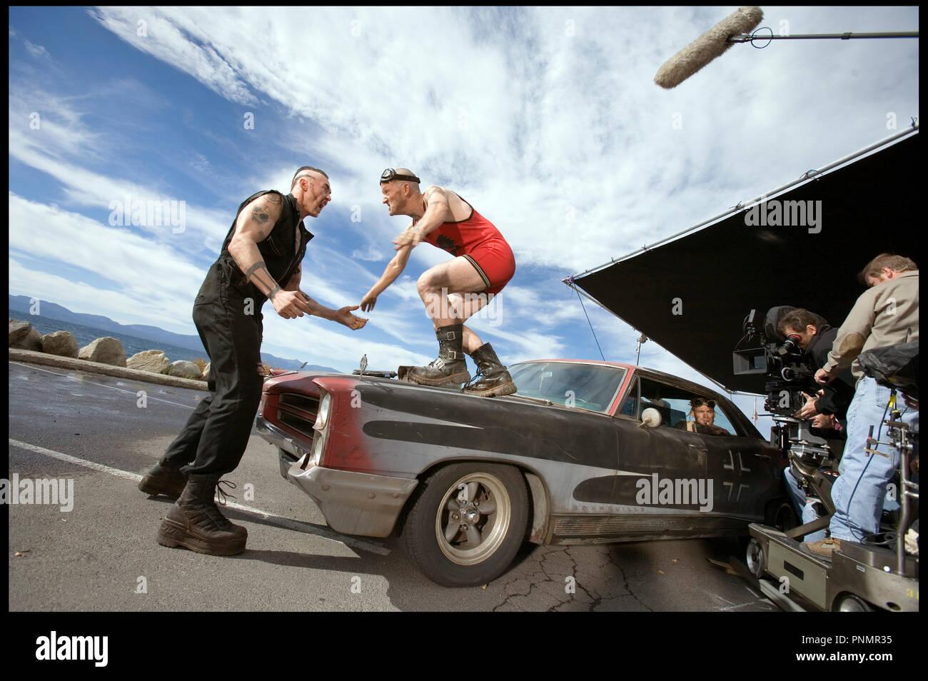 Prod DB ©Working Title - Universal / DR MI$E A PRIX (SMOKIN' ACES) de Joe Carnahan 2007 USA / GB / FRA  avec Kevin Durand, Maury Sterling et Chris Pine sur le tournage - Stock Image