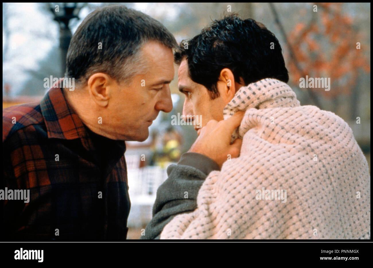 Prod DB © Universal / DR MON BEAU-PERE ET MOI (MEET THE PARENTS) de Jay Roach 2000 USA avec Robert De Niro et Ben Stiller intimidation - Stock Image