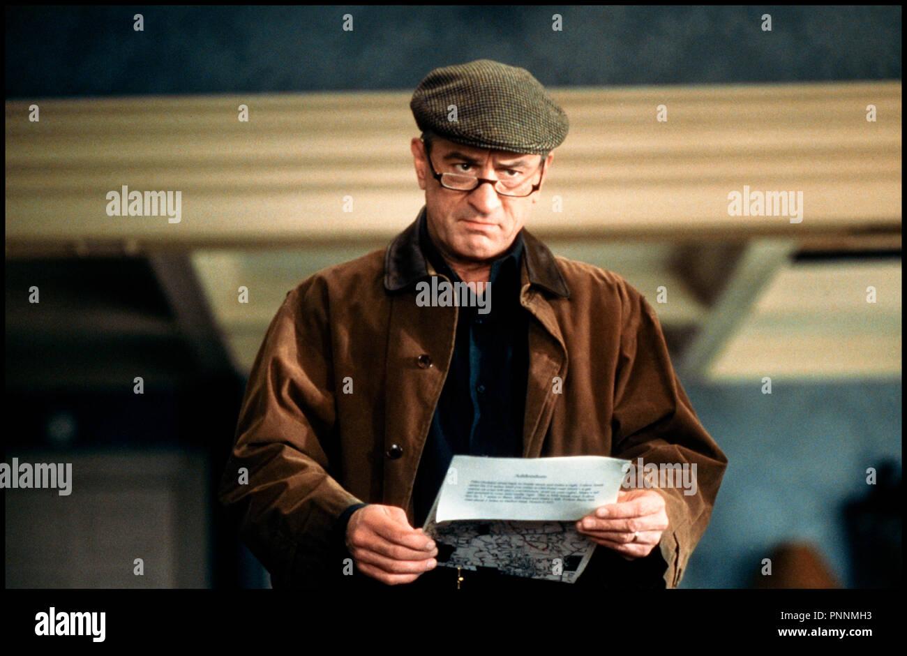 Prod DB © Universal / DR MON BEAU-PERE ET MOI (MEET THE PARENTS) de Jay Roach 2000 USA avec Robert DeNiro severe, jugement, lettre, texte, lire, - Stock Image