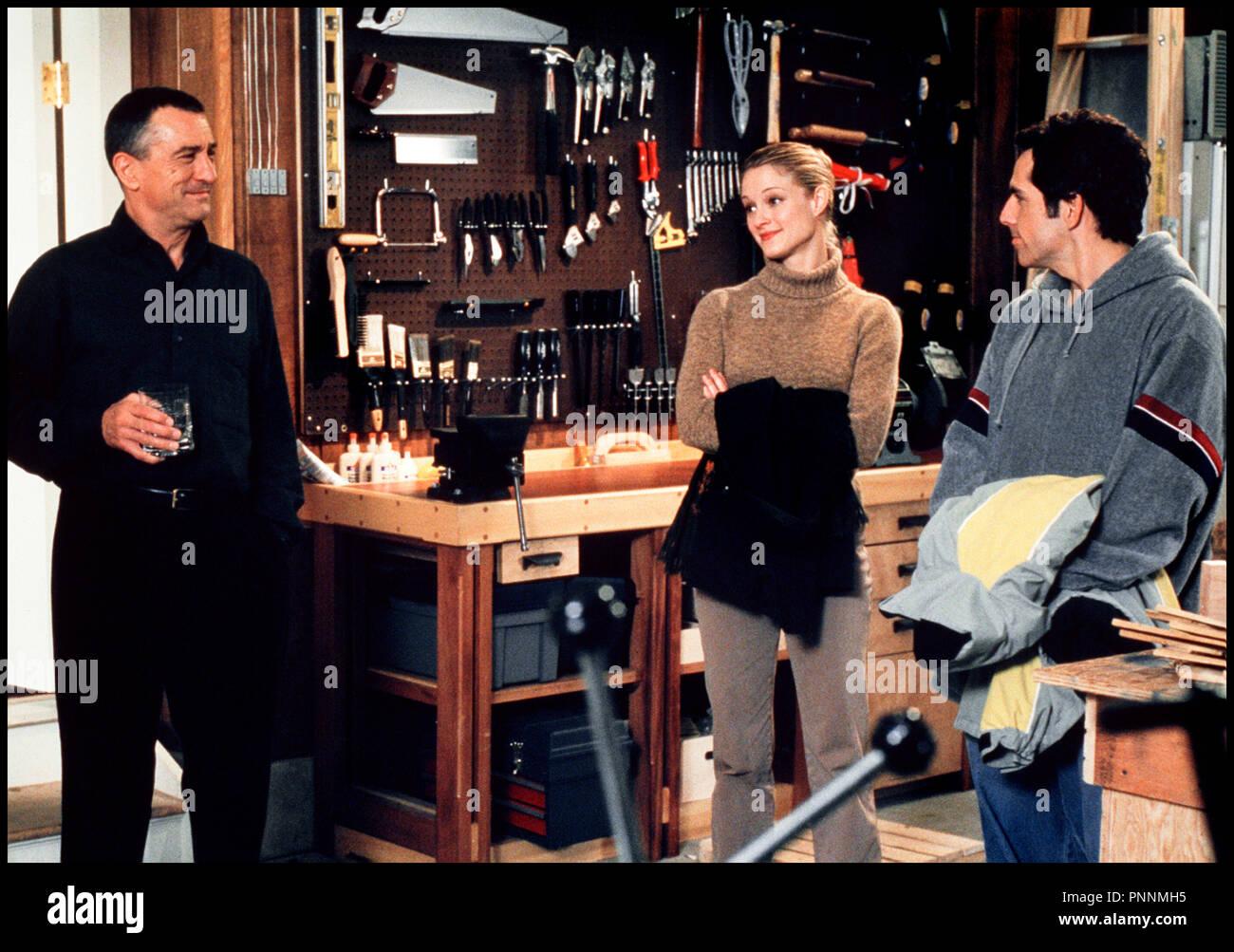 Prod DB © Universal / DR MON BEAU-PERE ET MOI (MEET THE PARENTS) de Jay Roach 2000 USA avec Robert DeNiro, Teri Polo et Ben Stiller - Stock Image