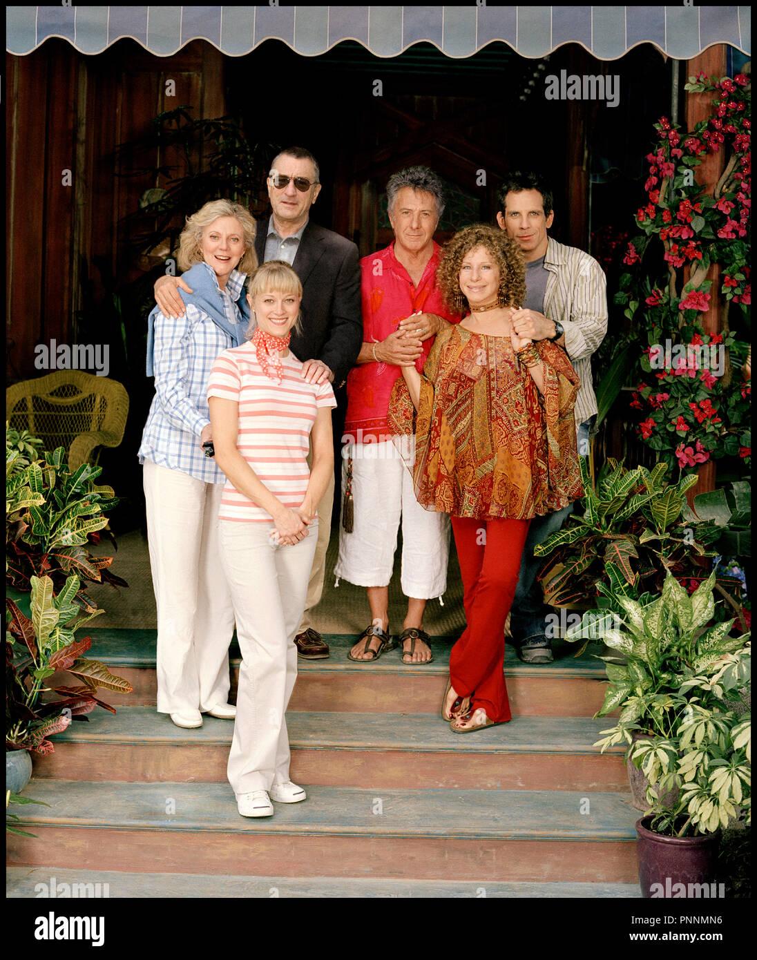 Prod DB © Universal Pictures - DreamWorks SKG / DR MON BEAU-PERE, MES PARENTS ET MOI (MEET THE FOCKERS) de Jay Roach 2004 USA avec Blythe Danner, Teri Polo, Robert De Niro, Dustin Hoffman, Barbra Streisand et Ben Stiller sequelle, belle-famille autres titres: Meet the Fokkers (USA) (working title) Meet the Parents 2 (USA) (working title) mon beau-pere mes parents et moi (FRA sans ponctuation) - Stock Image